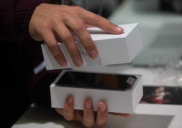 Et si le FBI avait accès à tous les iPhone?