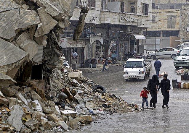 Deux villes syriennes assiégées appellent à l'aide