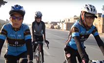 Des femmes à vélo