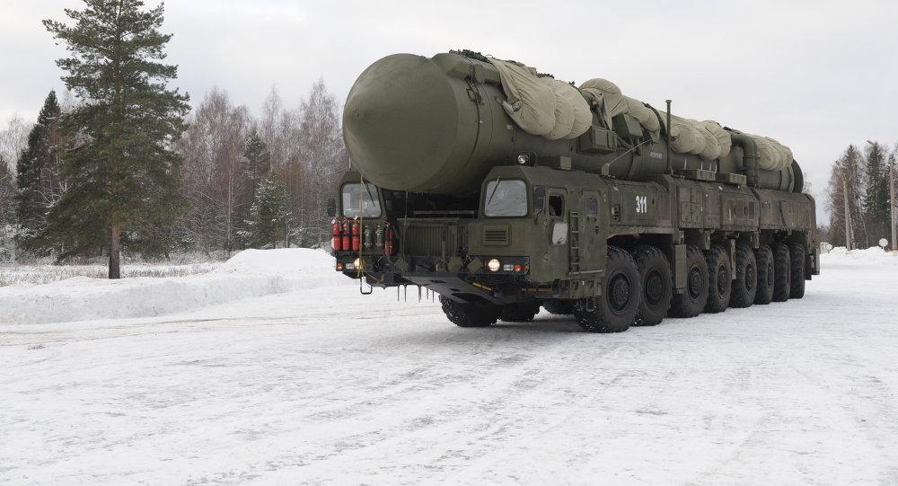 Le missile RS-24 Yars, sur sa plate-forme mobile - transporteur Kamaz