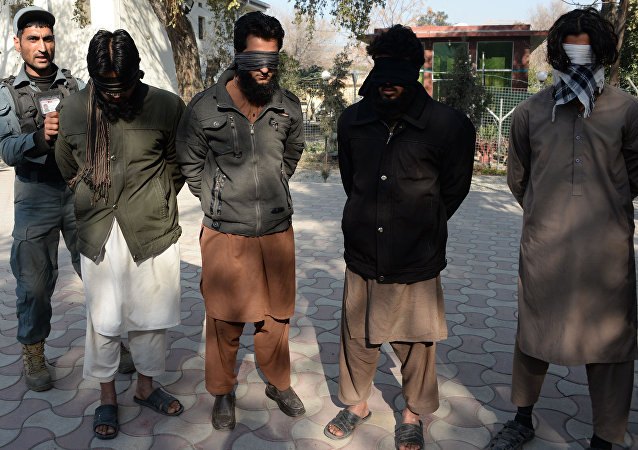 Afghanistan: 10 combattants de Daech déposent leurs armes