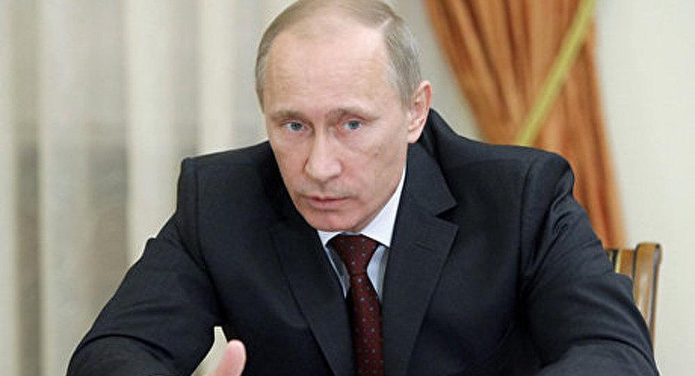 Le russe Gazprom Neft investira 500 M EUR dans le serbe NIS (Poutine)
