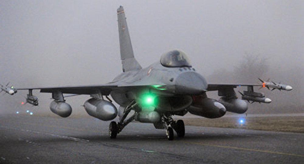 Libye: les chasseurs suédois prennent part à l'opération de l'Otan (médias)