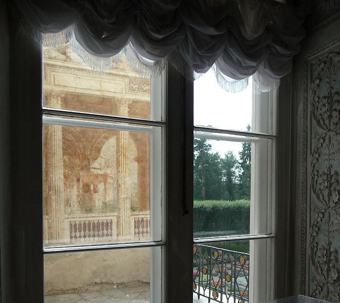 Des travaux d'agrandissement se sont poursuivis ensuite de la fin des années 1780 au début des années 1790 par l'architecte attitré de Paul, Vincenzo Brenna.
