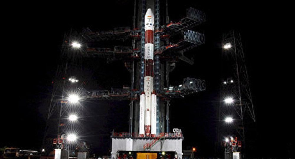 L'Inde lance un satellite de télécommunications