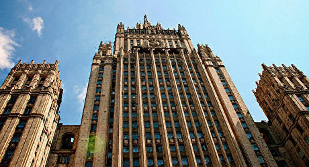 Le ministère russe des Affaires Etrangères va envoyer des SMS
