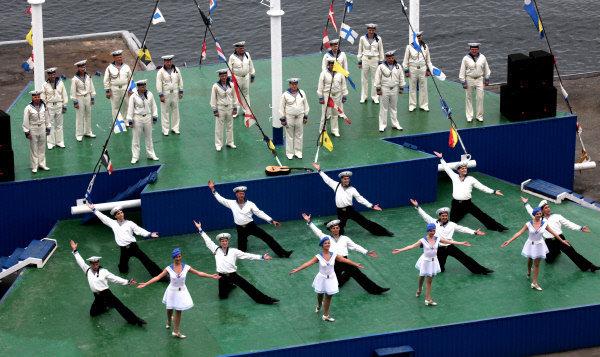 La traditionnelle danse exécutée par des danseurs de la Flotte russe du Pacifique.