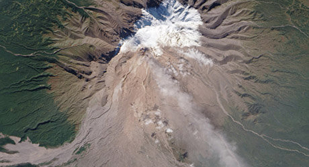 Kamtchatka : le volcan Chiveloutch se reveille