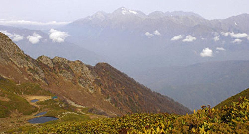 Caucase russe: l'évacuation des corps de deux alpinistes ukrainiens