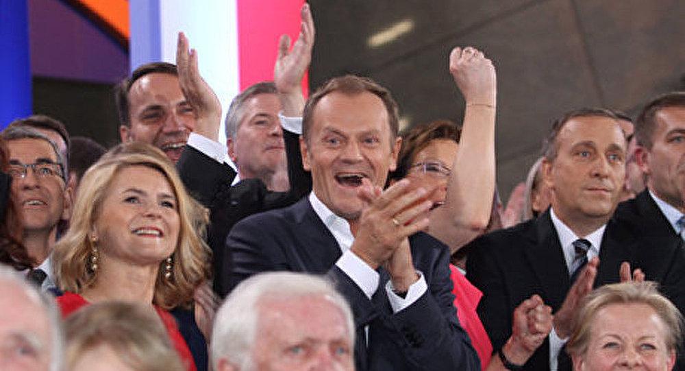 La Plate-forme civique remporte les législatives en Pologne