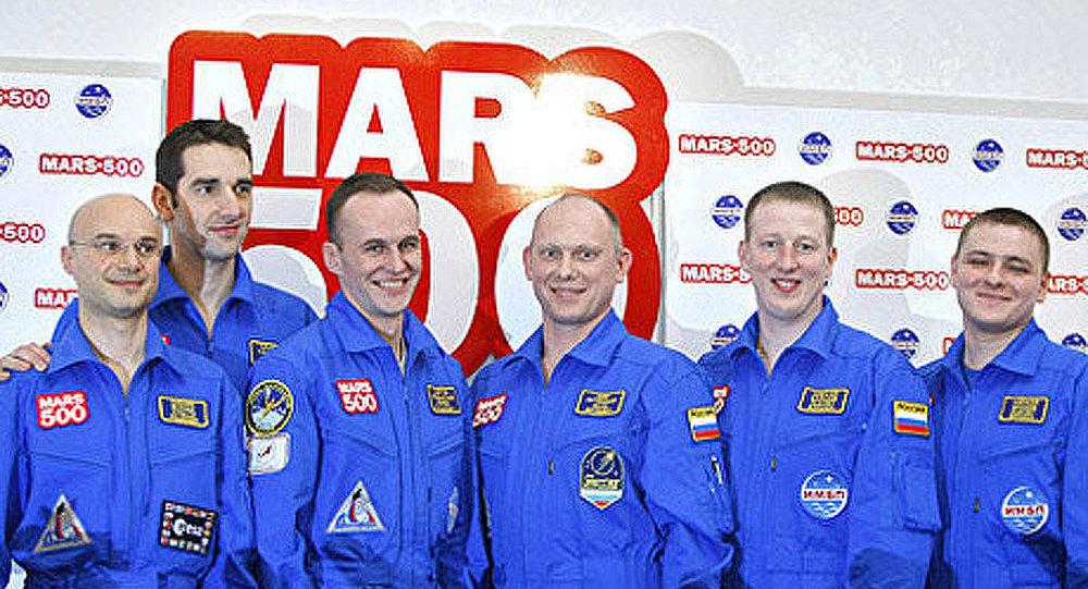 «Mars 500»: conférence de presse des marsonautes