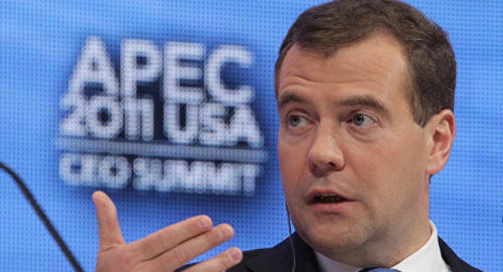 Dmitri Medvedev: l'économie prime sur le politique