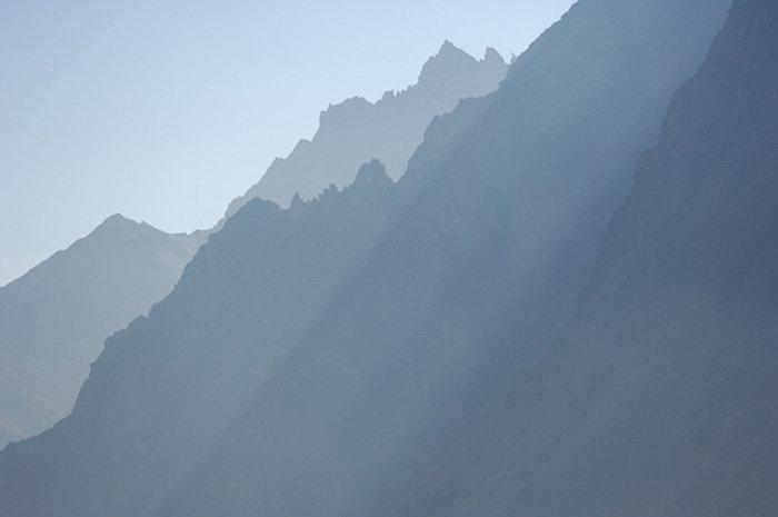 Les visiteurs peuvent accéder à la réserve de haute-montagne Kabardino-Balkarski, et se promener sur les sentiers et les itinéraires écologiques.