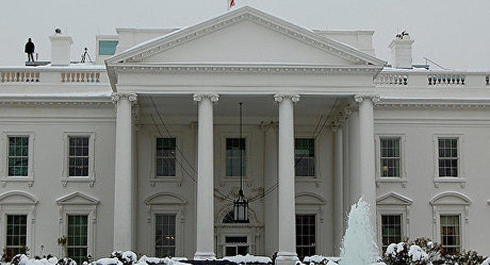 Le secrétaire général de la Maison Blanche démissionne