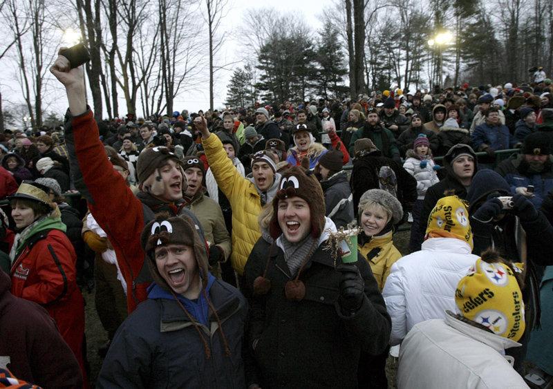 De nombreux festivals organisés le Jour de la marmotte dans les villes canadiennes et américaines accueillent tous les ans des foules de touristes.