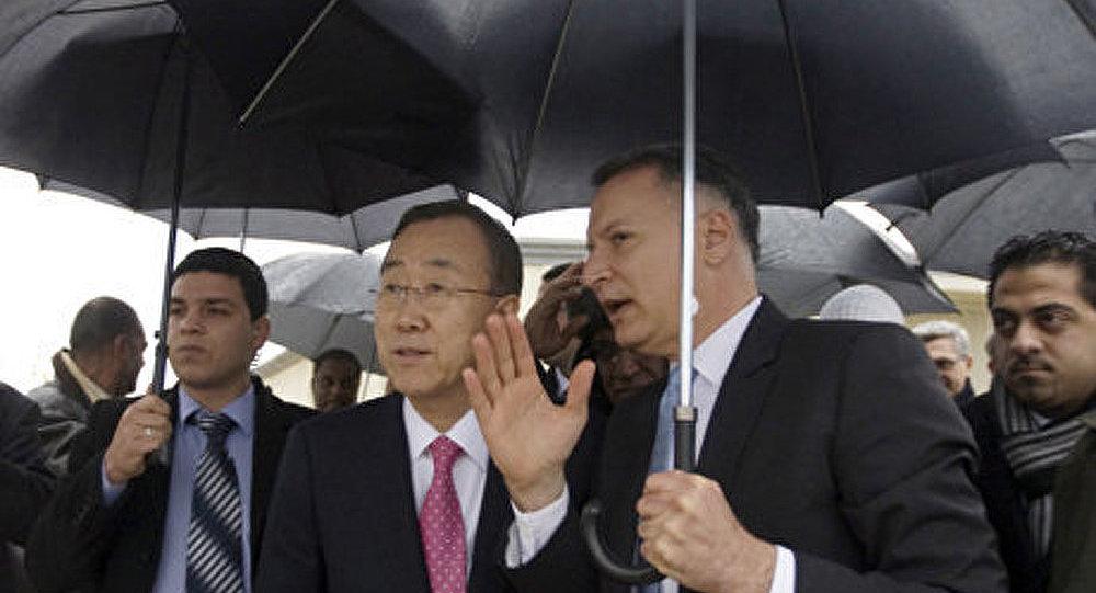 Proche-Orient: Ban Ki-moon attaqué par des chaussures et des pierres