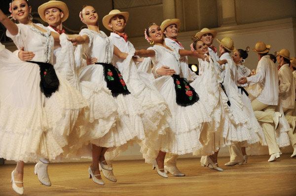 Le Ballet folklorique d'Igor Moïsseïev souffle le 10 février ses 75 bougies. L'ensemble célébrera son anniversaire sur scène. Sur la photo: suite de danses mexicains Sapateo & Avalulko, 2009