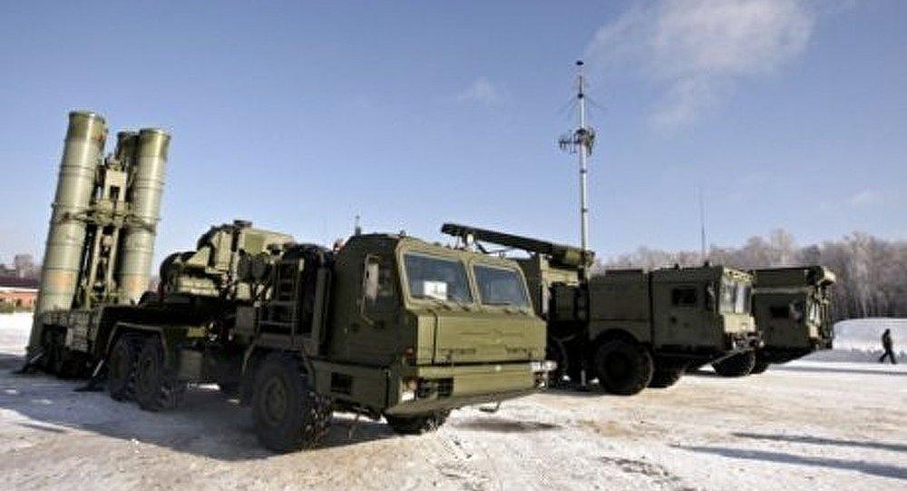 Trois groupes de systèmes S-400 seront fournis à l'armée en 2012