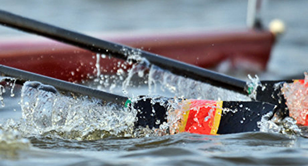 Un accident lors d'une course d'aviron entre les étudiants d'Oxford et de Cambridge