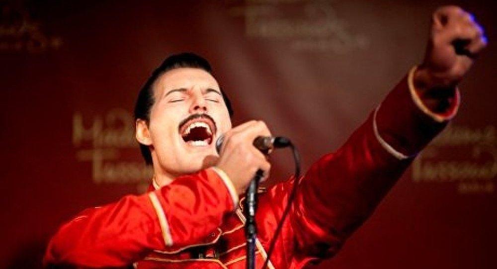 Les Musiciens De Groupe Queen Se Produiront Avec Un Freddie Mercury