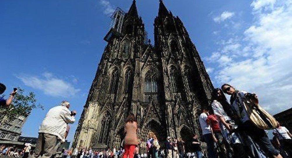 Allemagne : la cathédrale de Cologne menacée par le métro
