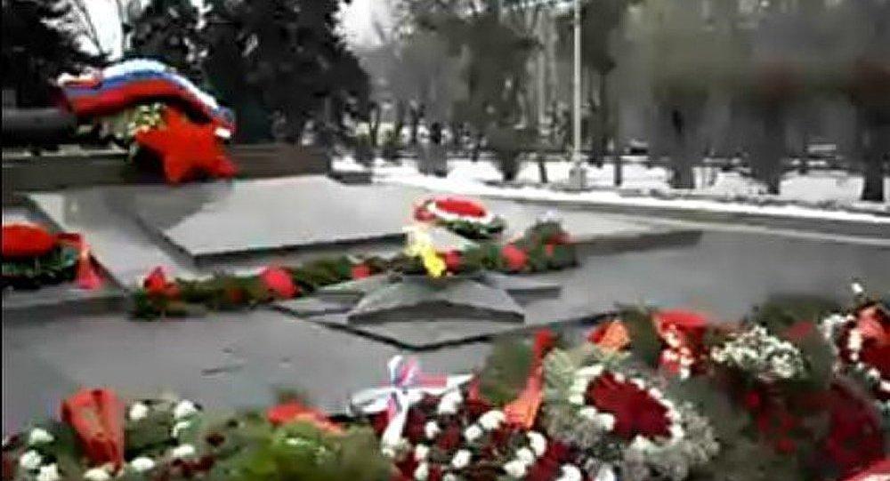 Poutine est à Volgograd pour les 70 ans de Stalingrad
