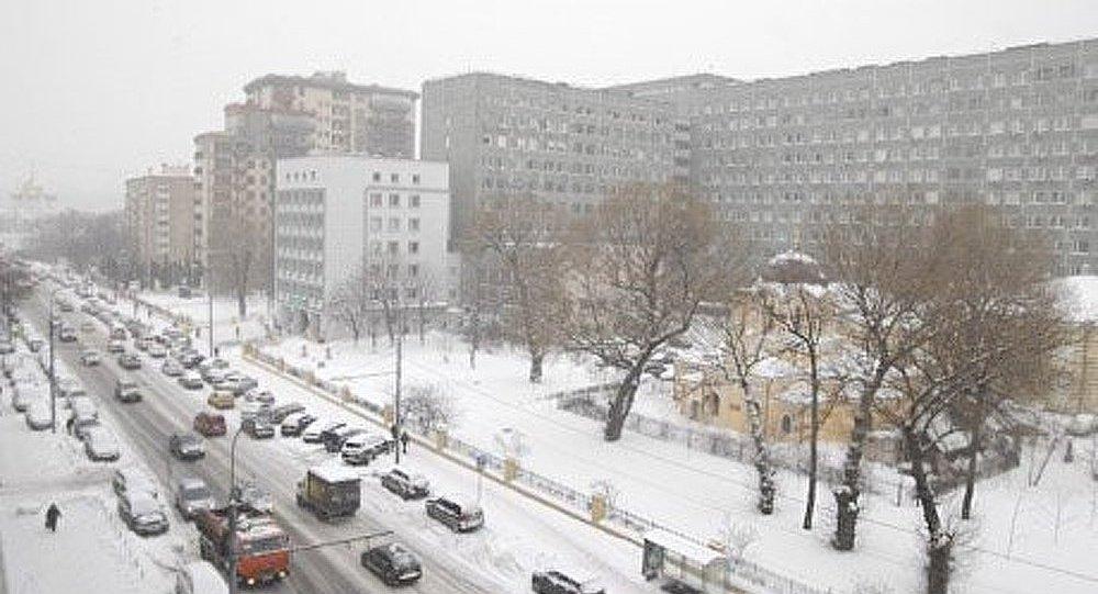 Moscou paralysé par la chute de neige