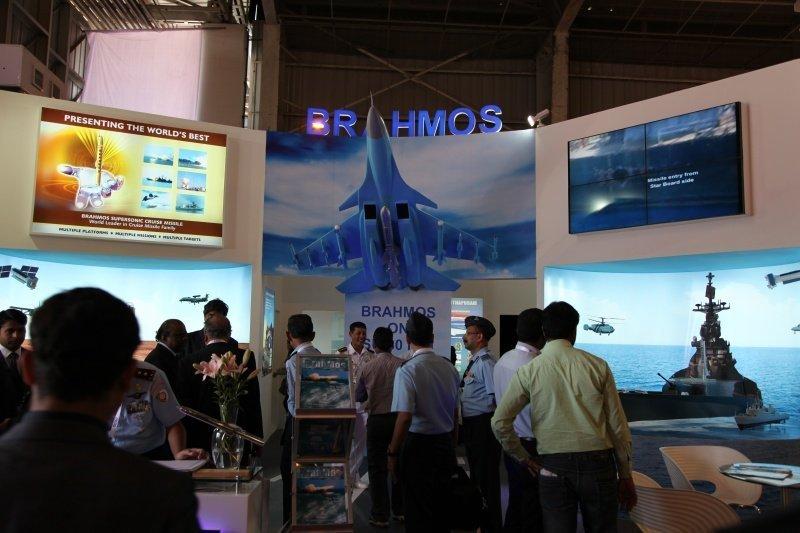 Aero India 2013 : la conférence de presse de la délégation russe