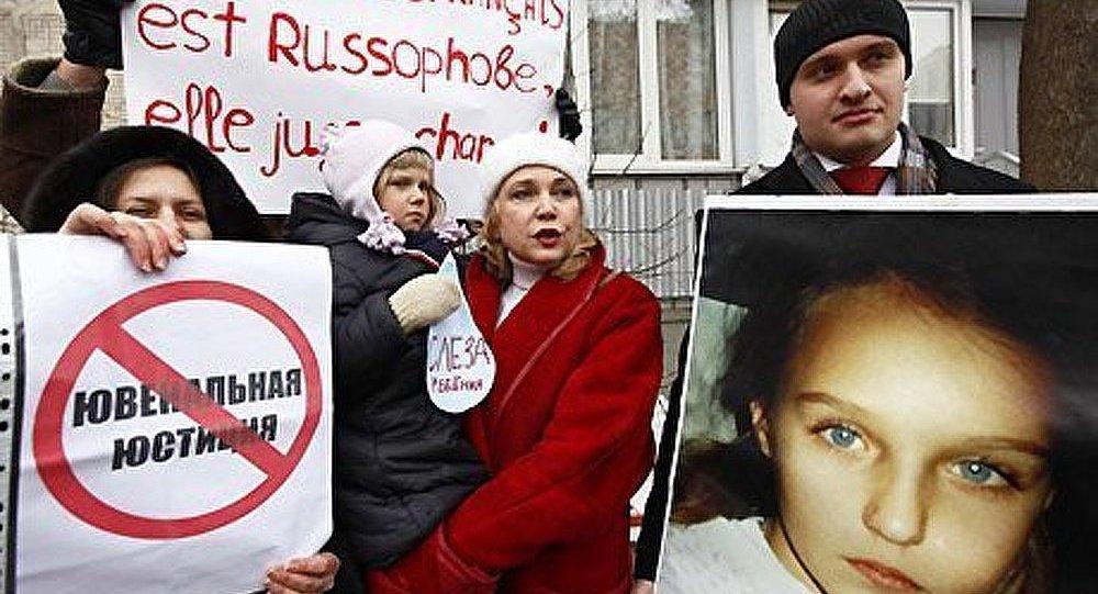 La moitié de Russes contre la justice des mineurs