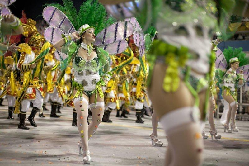 Les résultats de la parade seront annoncés le 13 février 2013, et dans la nuit du 17 février, les écoles gagnantes se produiront sur le sambadrome de Marquis de Sapucai.