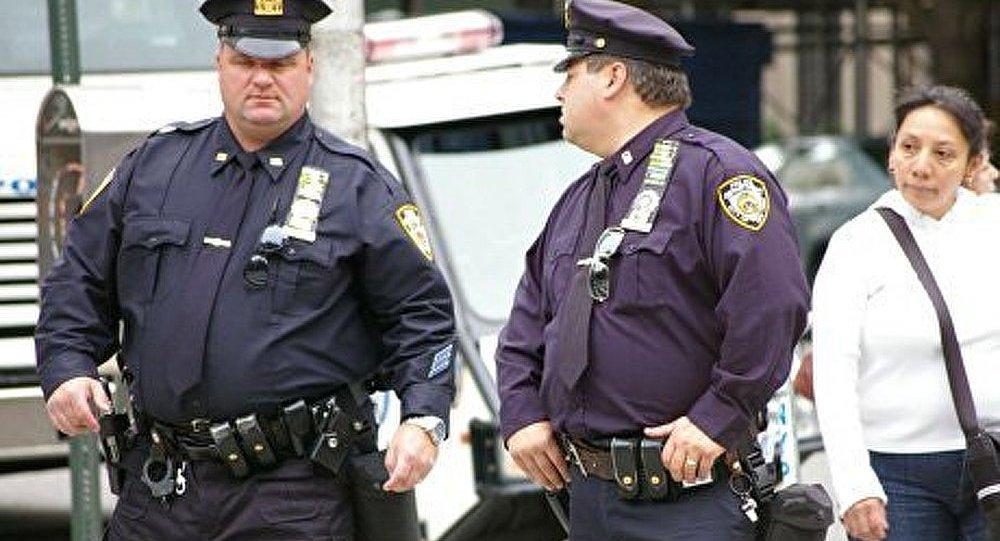 USA : un million de dollars pour des infos sur l'assassin d'un policier
