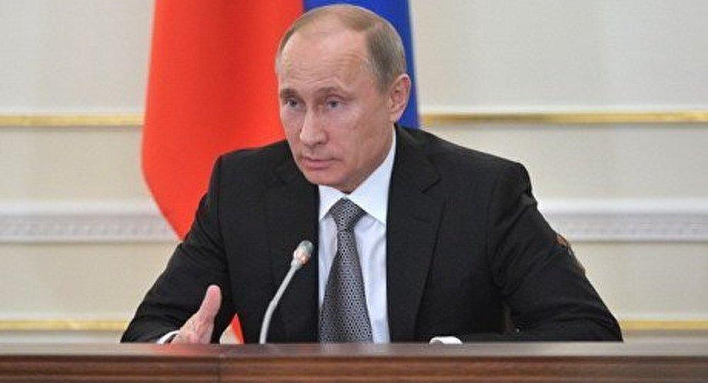 Taxer les dépôts bancaires est injuste et dangereux (Poutine)