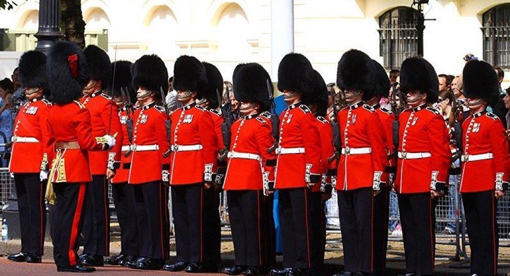Londres : une épidémie de gale a frappé la Garde Royale