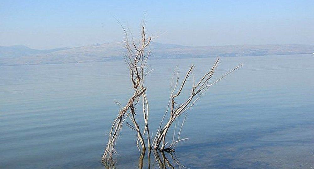 Découverte d'une pyramide mystérieuse au fond de la mer de Galilée