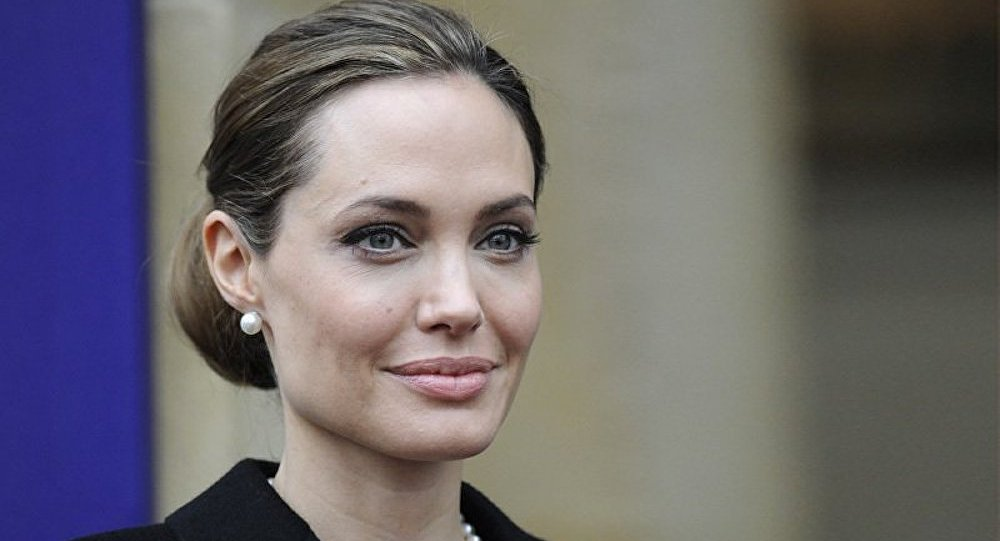 Angelina Jolie interprétera le rôle de sa mère