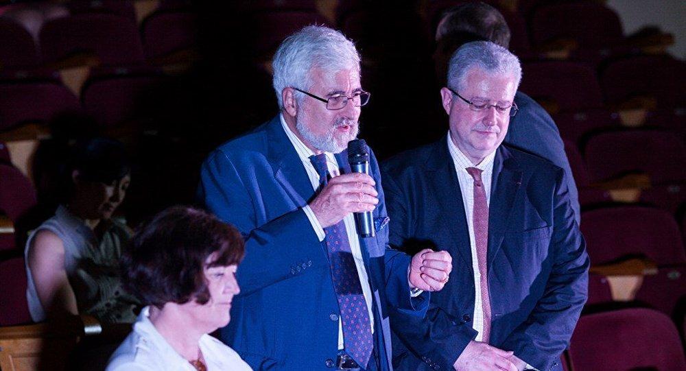 L ambassadeur fran ais termine sa mission en russie for Chambre de commerce franco russe