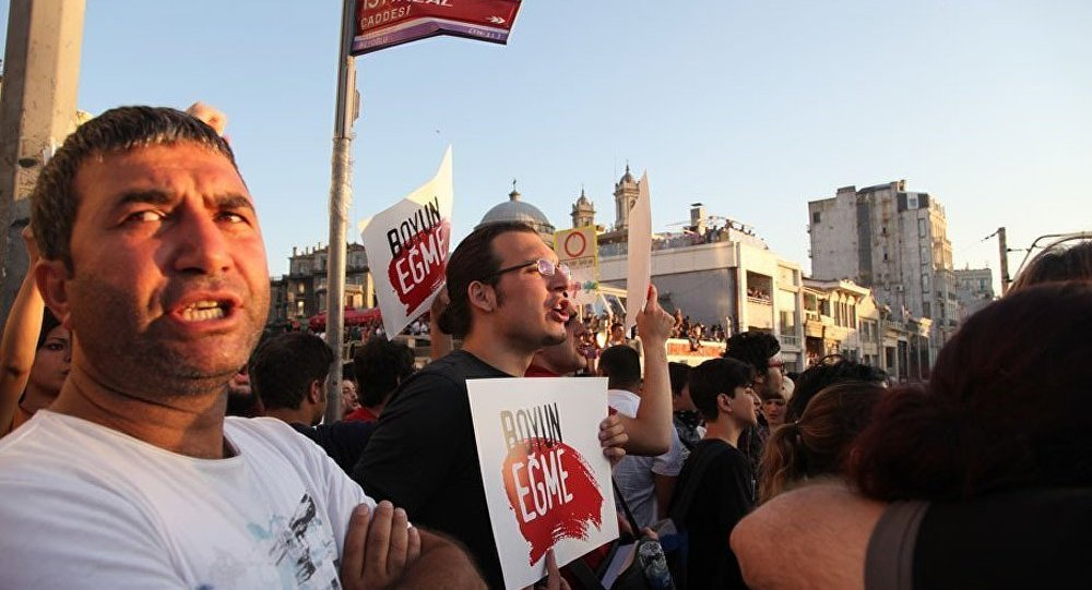 Environ 60 personnes arrêtées lors des émeutes à Istanbul