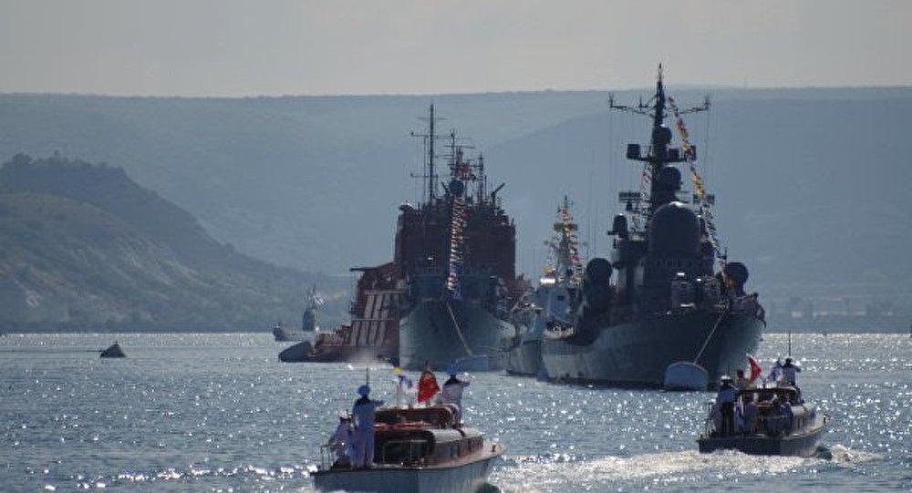Les Flottes russe et ukrainienne, un symbole d'union