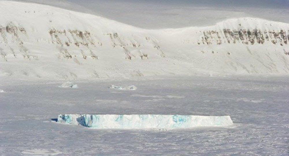 Extraction pétrolière : l'Arctique, champ des possibles et contraintes