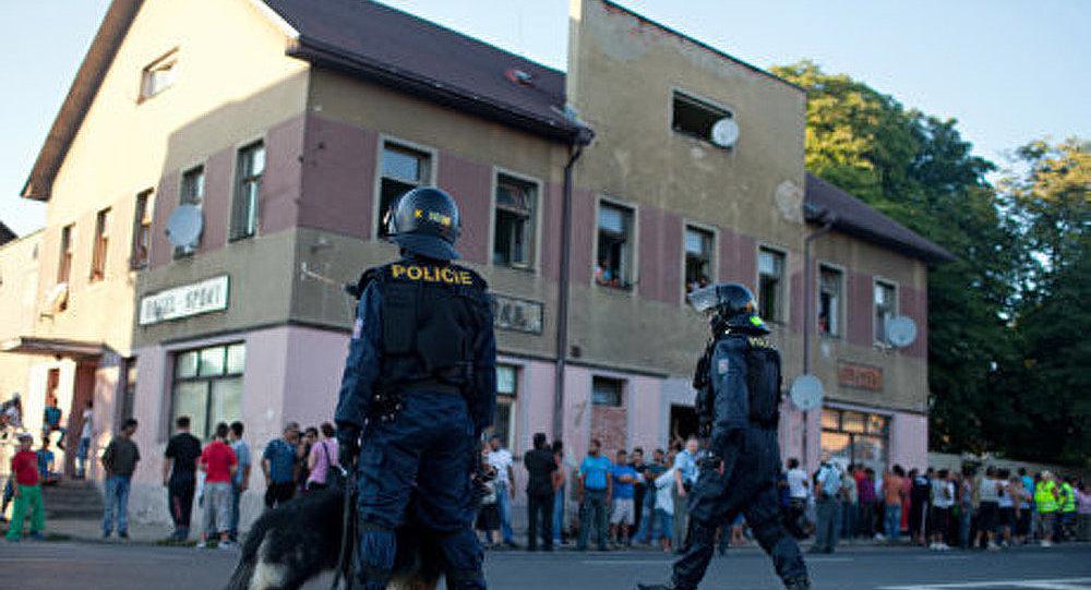 Une marche anti-Roms en République tchèque a pris fin dans les bagarres et les arrestations