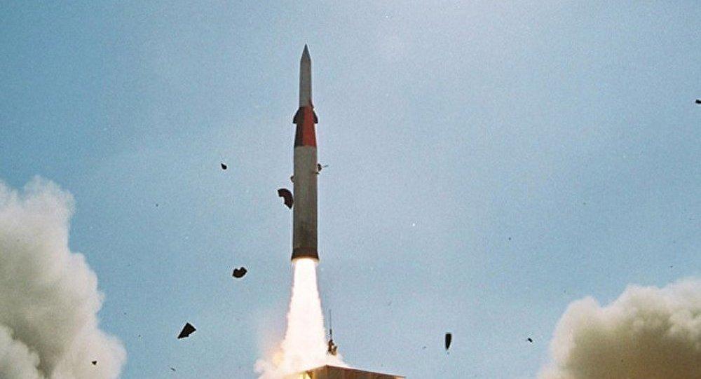 Tirs de missiles en Méditerranée : tester la réaction de la Russie