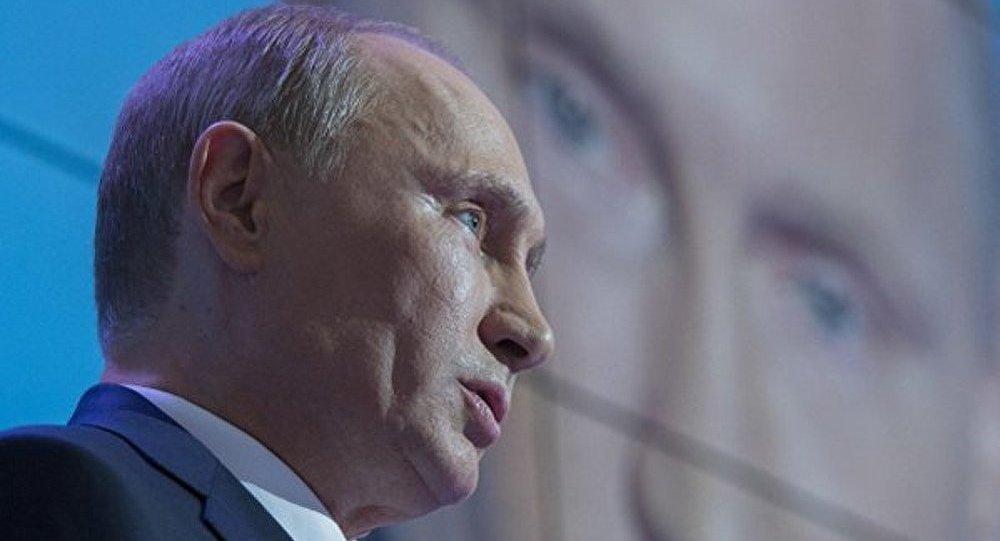 Vladimir Poutine : la Russie ne peut exister qu'en restant multiethnique