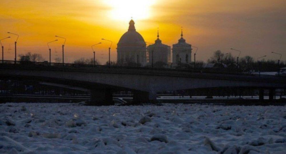 Saint-Pétersbourg : incendie dans le métro
