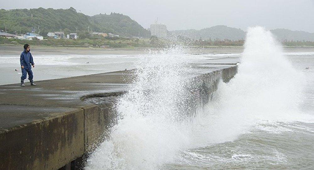 Alerte à la tempête dans le sud du Japon