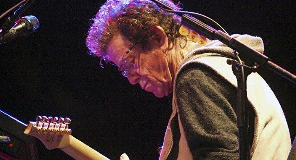 Mort de Lou Reed, légende du rock, à New York