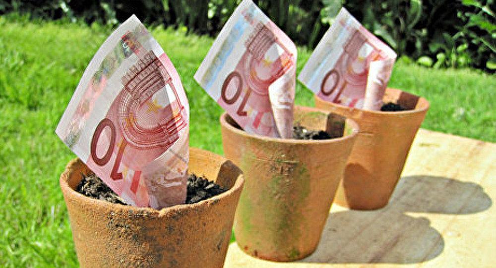 La zone euro sombre dans le gouffre de la dette
