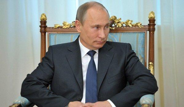 Le célèbre magazine américain Forbes a dévoilé son classement des personnes les plus influentes du monde pour l'année 2013. À la tête de ce classement annuel figure Vladimir Poutine, le président russe, qui a renforcé son pouvoir à l'intérieur du pays depuis l'année dernière. Le chef d'État russe est passé en tête, détrônant le président américain Barack Obama, qui a occupé la première place pendant trois ans. La liste comporte 72 personnes, dont 17 chefs d'État, 9 femmes et 6 milliardaires.
