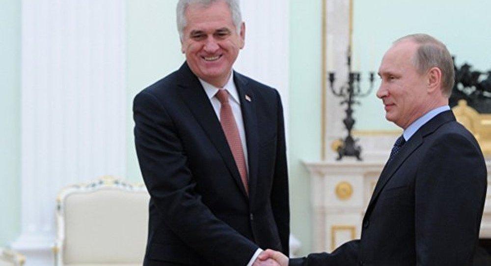 Poutine : les relations russo-serbes sont particulières