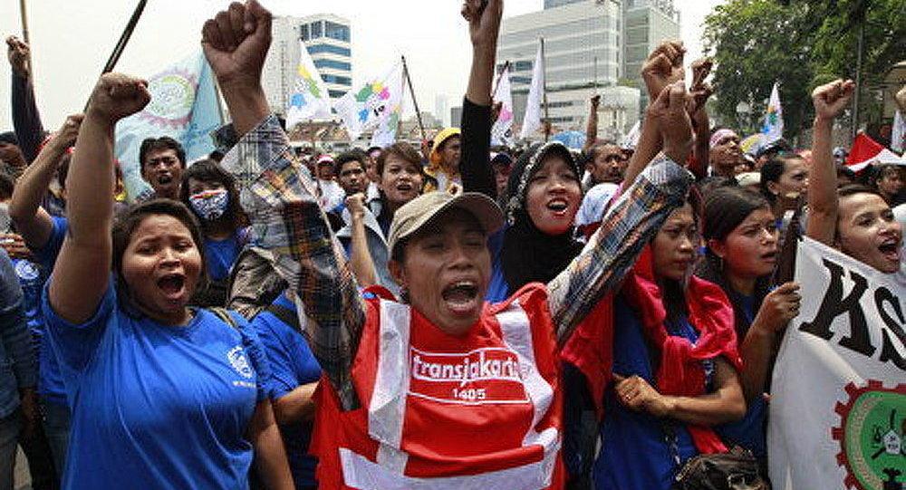 Indonésie : des centaines de milliers d'ouvriers en grève