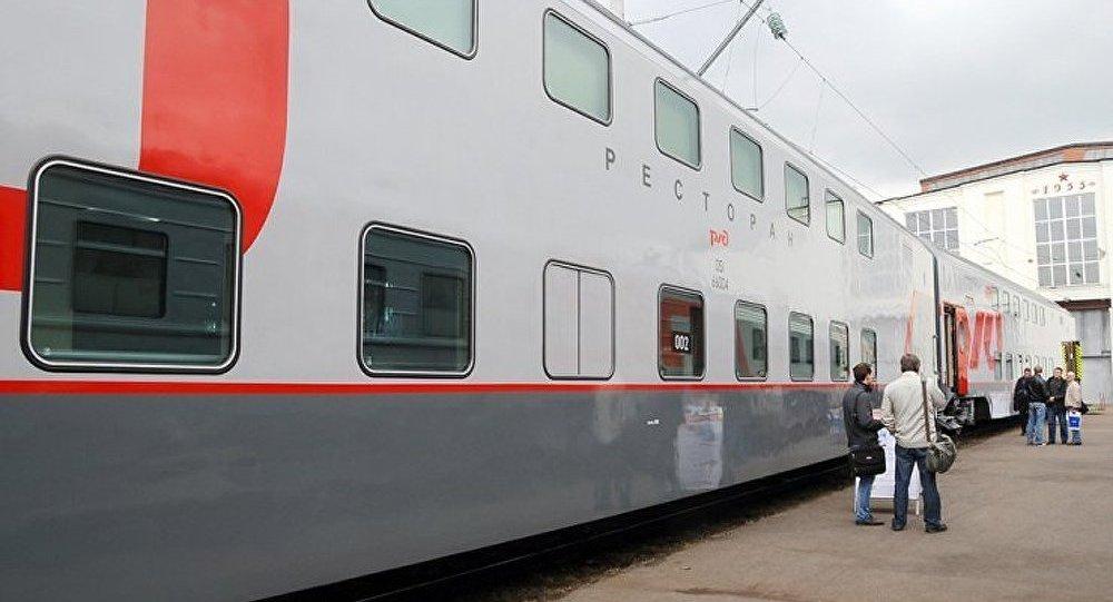 Le premier train à deux étages démarre de Moscou à destination de Sotchi